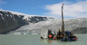 The DOSECC GLAD-200 core rig at lake Hvítárvatn